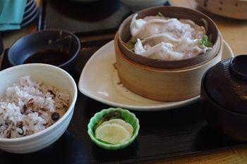 横浜桜木町のコレットマーレにあるレストラン「銀のつぶら」のランチ