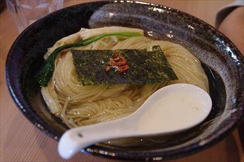 横浜鴨居にあるラーメン店「支那蕎麦屋 藤花」のつけ蕎麦
