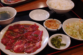 横浜菊名にある焼肉店「焼肉 慶州苑」の焼肉定食