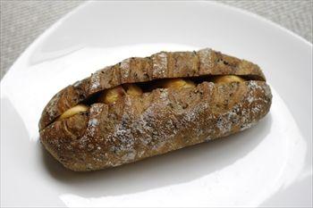 川崎新丸子にあるパン屋「ブーランジェリー メチエ」のパン