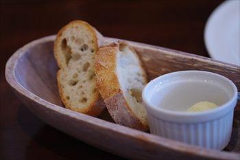 横浜センター南にあるイタリアン「クッチーナピノッキオ」のパン