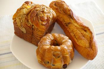 横浜みなとみらいにあるパン屋「ポンパドウル」のパン