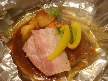 ららぽーと横浜「キタグリル パレット」の包み焼きハンバーグ