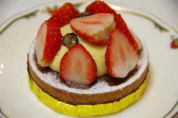 大倉山のフランス菓子のお店「クール・オン・フルール」のケーキ2