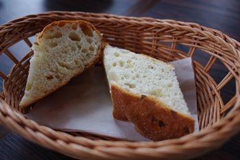 横浜みなとみらいにあるイタリアンのお店「プリモアモーレ」のパン