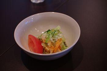 横浜センター北にあるダイニングカフェ「Tawaraya Cafe」のサラダ