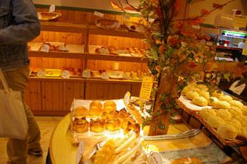 東急東横線元住吉にあるパン屋さん「パンドププ」の店内