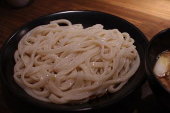 横浜石川町にあるうどん屋「かばのおうどん」の肉汁うどん
