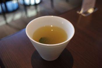 横浜日本大通りにあるカフェ「G+(ジープラス)」のスープ