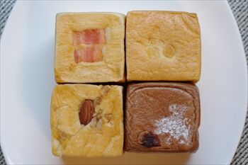 横浜東白楽にあるベーカリーカフェ「ベースプラスワン」のパン