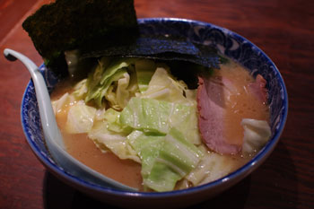 横浜子安のおいしいラーメン店「とんぱた亭」のラーメン