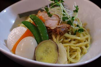 鎌倉にあるつけ麺専門店「麺屋 波(WAVE)」のつけ麺