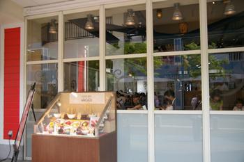 「三井アウトレットパーク 横浜ベイサイド」海鮮どんぶりのお店