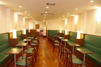 横浜中華街のCafe Shofukumon(招福茶楼)の店内