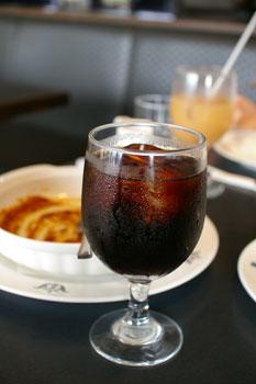 横浜山手の洋食屋「山手ロシュ」のアイスコーヒー