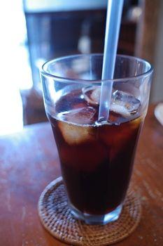 西横浜にあるカフェ「夏至茶屋」のアイスコーヒー