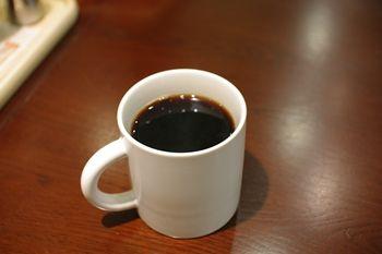 横浜ベイクォーターにあるデリ「オーガニックハウス」のコーヒー