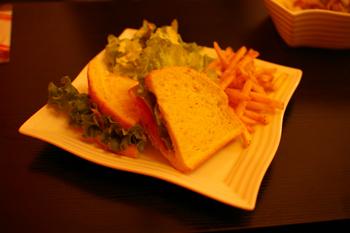 横浜の穴場カフェ「rokucafe」のサンドイッチ