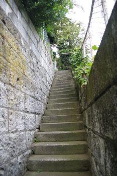 横浜山手にあるパン屋さん「ON THE DISH」の階段