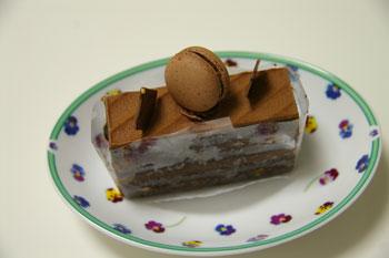 ラゾーナ川崎のケーキショップ「モンシュシュ」のチョコケーキ