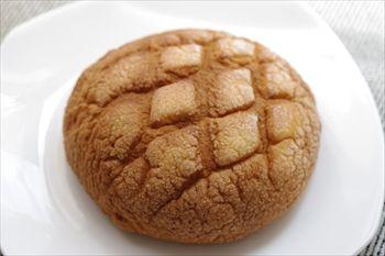 横浜にあるメロンパン専門店「浅草花月堂」のメロンパン