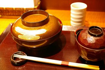 横浜ららぽーとの大丸にあるイートイン「柿安」の牛丼1
