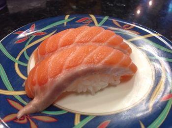 横浜あざみ野にある回転寿司「廻鮮寿司処 タフ」の寿司