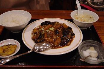 新横浜にある中華料理店「天府餃子城」のランチ