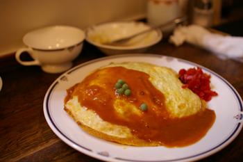 横浜元町にある洋食屋「洋食の美松」のオムライス