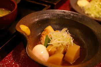 トレッサ横浜の和食のお店「一汁五穀」の豚の角煮定職