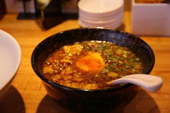 横浜西口のラーメン店「博多 一風堂」のつけ麺