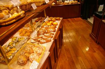 横浜高島屋のパン屋「BOULANGERIE BURDIGALA」の店内