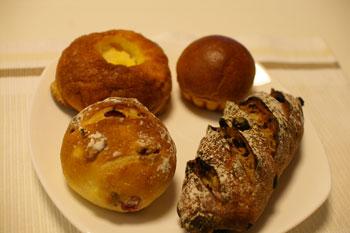 横浜大倉山にあるおいしいパン屋「パリゼット」のパン