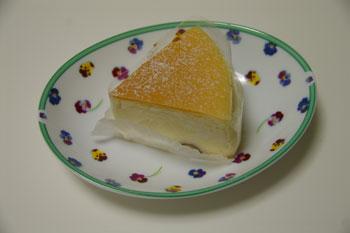 ラゾーナ川崎のケーキショップ「モンシュシュ」のチーズスフレ