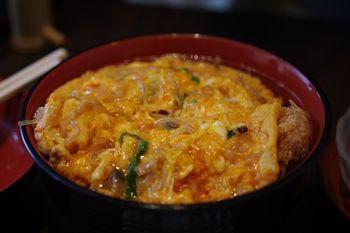 新横浜にあるとんかつ屋さん「かつくら」のかつ丼