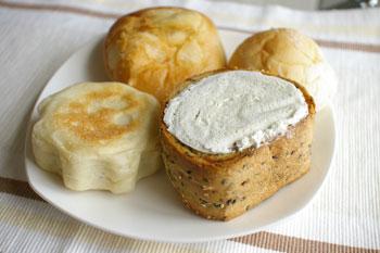 横浜馬車道のパン屋「レェ・グラヌーズ」のパン