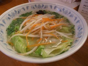 横浜元町にあるラーメン店「下前商店」の野菜ラーメン