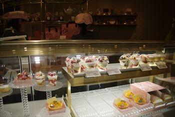 ららぽーと横浜にある「ベビー モンシェール カフェ」の店内