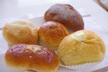 新横浜プリンスホテルのデリのお店「シェパティシェ」のパン