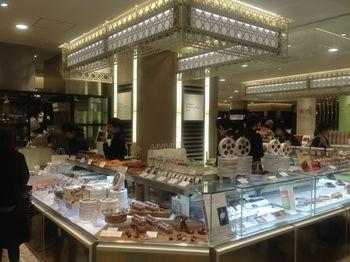 渋谷ヒカリエにある洋菓子店「パティスリー・サダハル・アオキ」