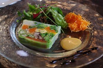 横浜馬車道にあるフレンチのお店「ル サロン ド レギューム」の前菜