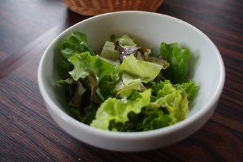 横浜みなとみらいにあるイタリアンのお店「プリモアモーレ」のサラダ