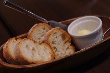 横浜センター南にあるイタリアン「クッチーナ ピノッキオ」のパン