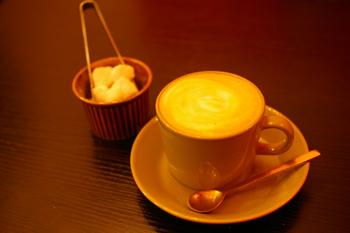 横浜の穴場カフェ「rokucafe」のカフェラテ