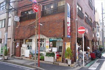 横浜桜木町にある洋食店「グリル・ラクレット」の外観