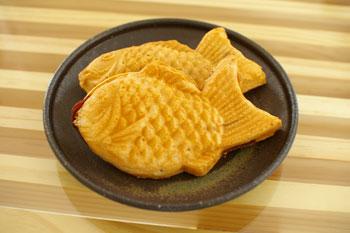 横浜小机駅前の鯛焼き屋さん「鯛乃家」の鯛焼き