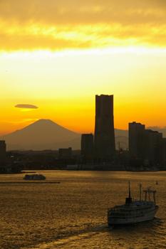 横浜みなとみらいと富士山4
