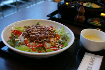 横浜センター北のカフェ「クロッシーズカフェ」のタコライス