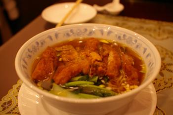 横浜中華街「状元楼」のパーコー麺