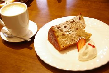 横浜元町のカフェ「Paty Cafe(パティカフェ)」のシフォンケーキ